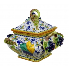 "DECORATIVE  BOX 0018  from a series ""Montelupo"" H29 cm"