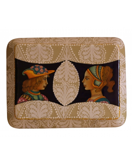 DECORATIVE BOX with two figures 26x20x7 cm